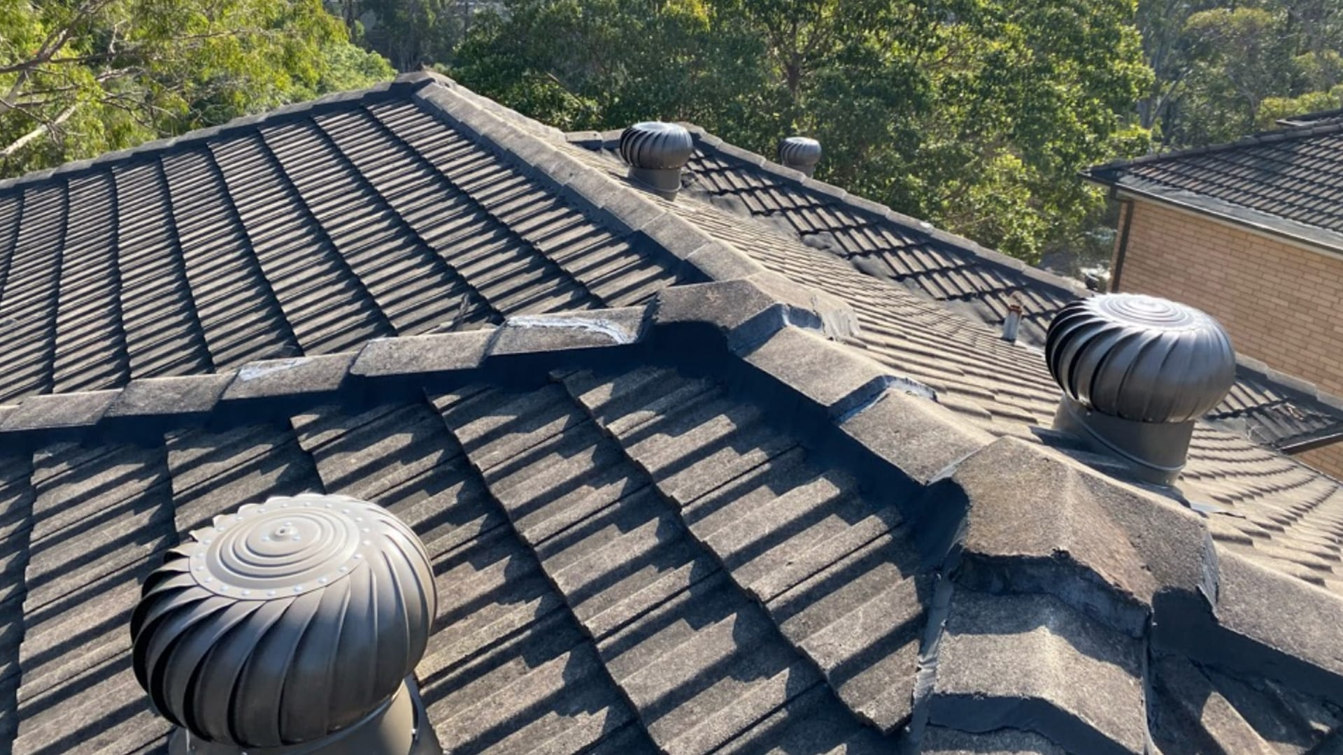How do roof turbines keep water out