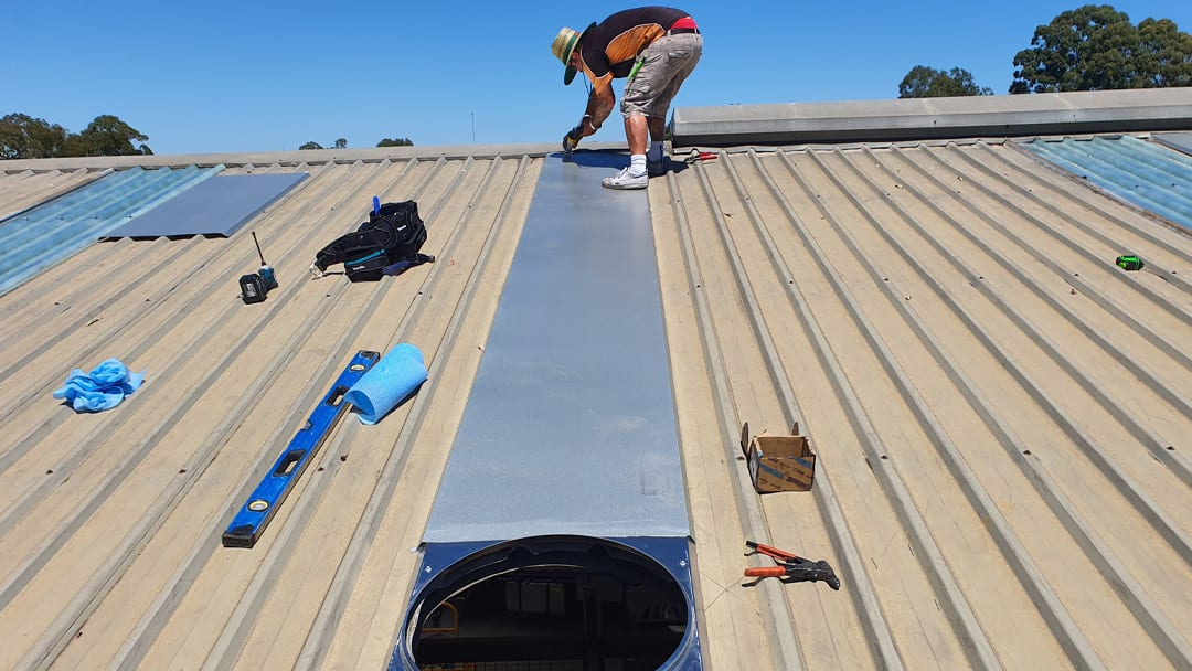 Installing Back Trays for 950mm Wind Driven Whirlybirds